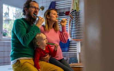 Warum gewaltfreies Zähneputzen ein Muss ist und 30 Tipps zur Umsetzung